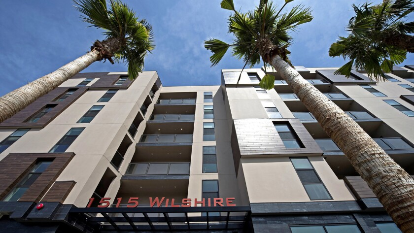 The Wilshire Valencia apartment complex at 1515 Wilshire Blvd. in Los Angeles has been sold by devel