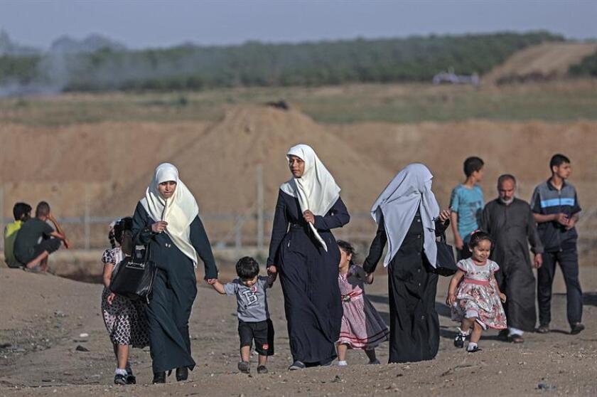 La ONU anunció hoy que su agencia para los refugiados palestinos (UNRWA) va a eliminar al menos 154 puestos de trabajo como consecuencia de la falta de fondos que ha provocado el recorte de las contribuciones de Estados Unidos. EFE/ARCHIVO