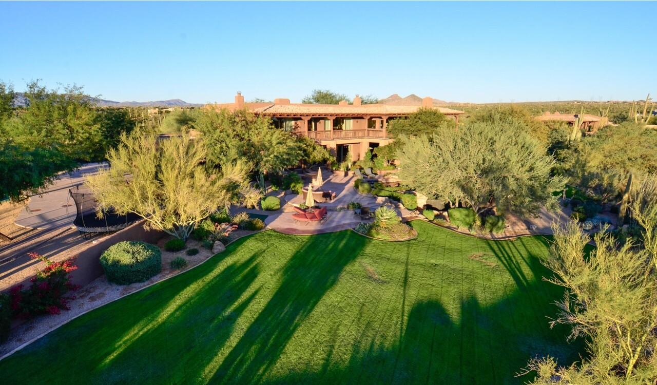 Jeremy Roenick's Arizona estate