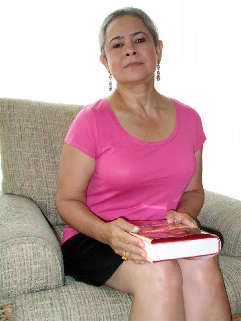 El tributo a la comunidad boricua de los Estados Unidos estará personificado por la presencia de la escritora puertorriqueña Esmeralda Santiago, a quien se le dedicará la presente edición, que se celebrará entre los próximos días 9 y 14 en San Juan. EFE/Archivo
