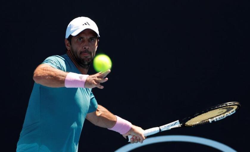 El tenista español Fernando Verdasco (26), quien alcanzó este lunes la segunda ronda tras superar al serbio procedente de la previa Miomir Kecmanovic. EFE