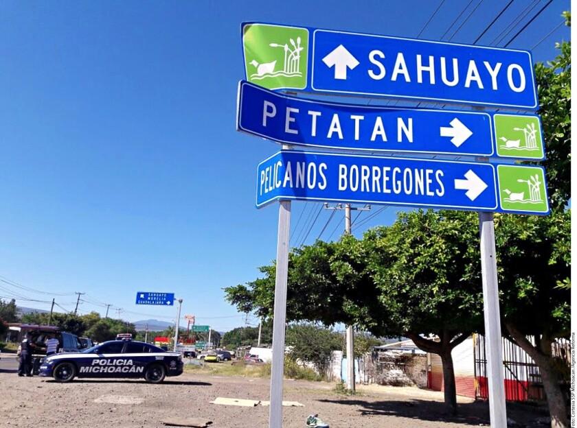 La Procuraduría General de Justicia del Estado de Michoacán (PGJE) indaga si las cinco personas detenidas ayer en Sahuayo como sospechosas de la decapitaciones en Jiquilpan están relacionadas con otros ocho asesinatos, entre ellos el de un médico.