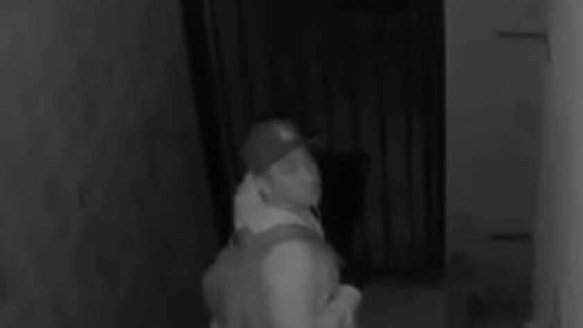 Trio of burglars poses as police officers to steal West Covina