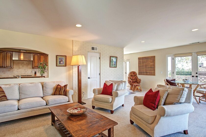 5523-Ladybird-Lane-Living-Room