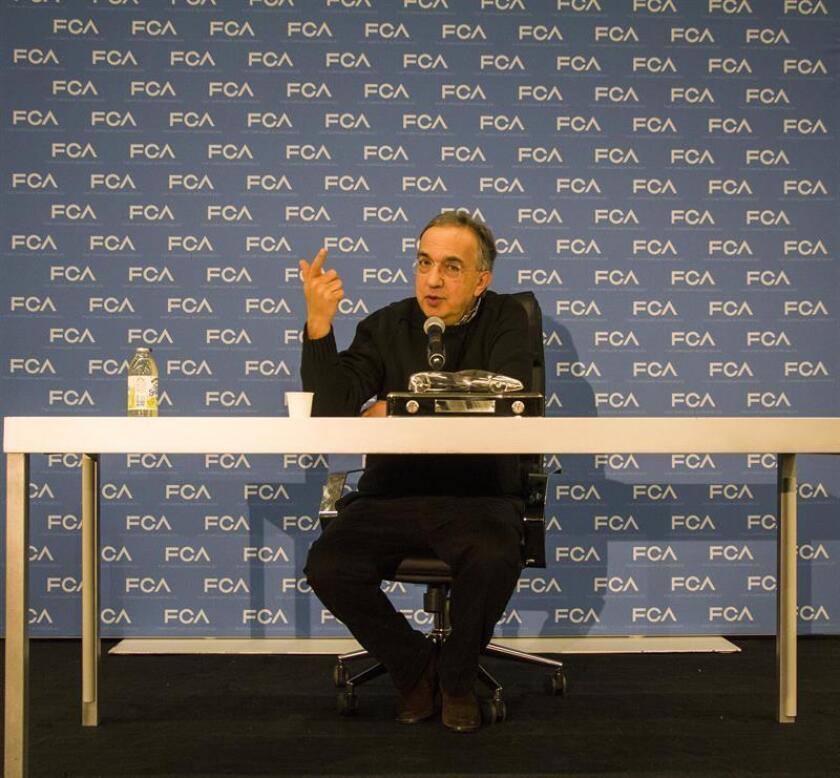 El presidente de Fiat Chrysler (FCA), Sergio Marchionne, habla con la prensa en Detroit, Mighigan (EEUU). EFE/Archivo