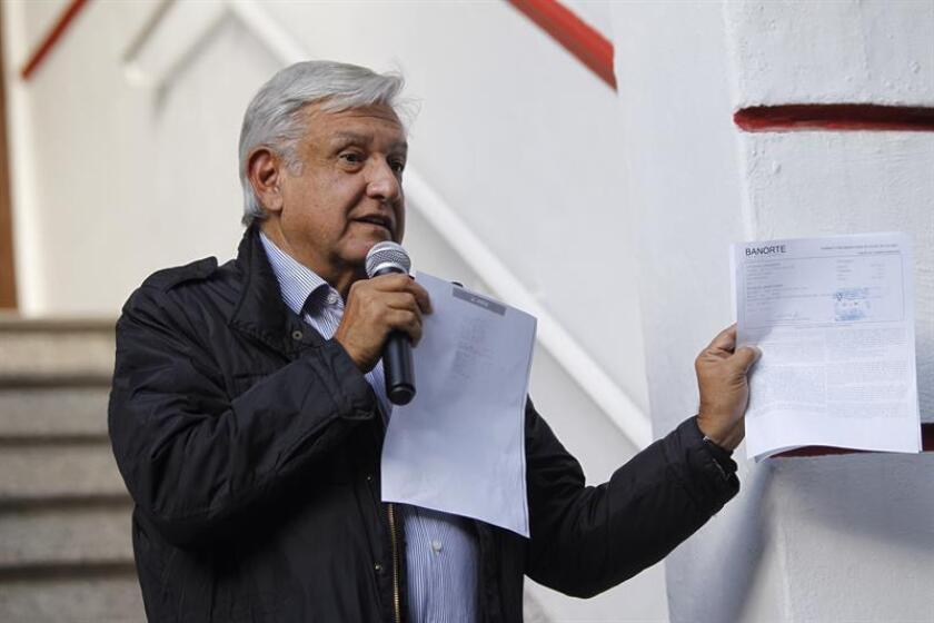 El futuro presidente de México, Andrés Manuel López Obrador, participa en una rueda de prensa en Ciudad de México (México). EFE/Archivo