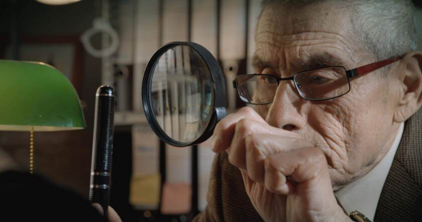 """The 83-year-old spy Sergio Chamy in a scene from """"The Mole Agent"""" by Chilean director Maite Alberdi."""