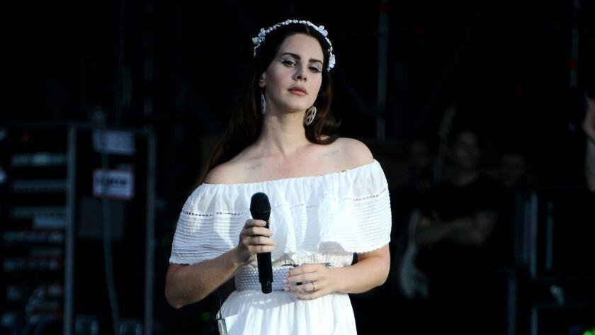 Lana Del Rey- Vieilles Charrues Festival 2016