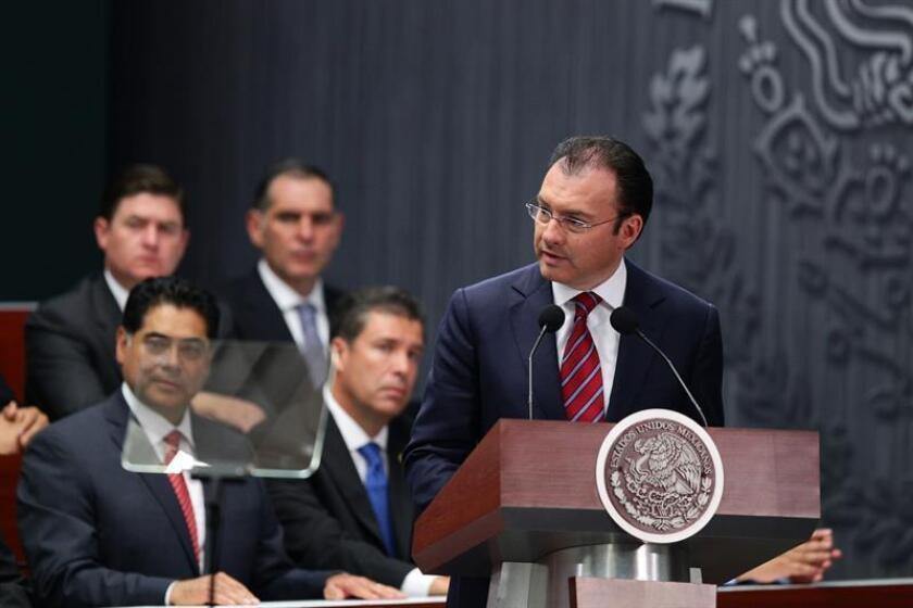"""El Senado de México ofreció hoy """"trabajar en unidad, sin mezquindad y sin regateos con el Ejecutivo federal y respaldar las acciones que emprenda por conducto de la Secretaría de Relaciones Exteriores (SRE) en defensa de los intereses"""" del país. EFE/ARCHIVO"""