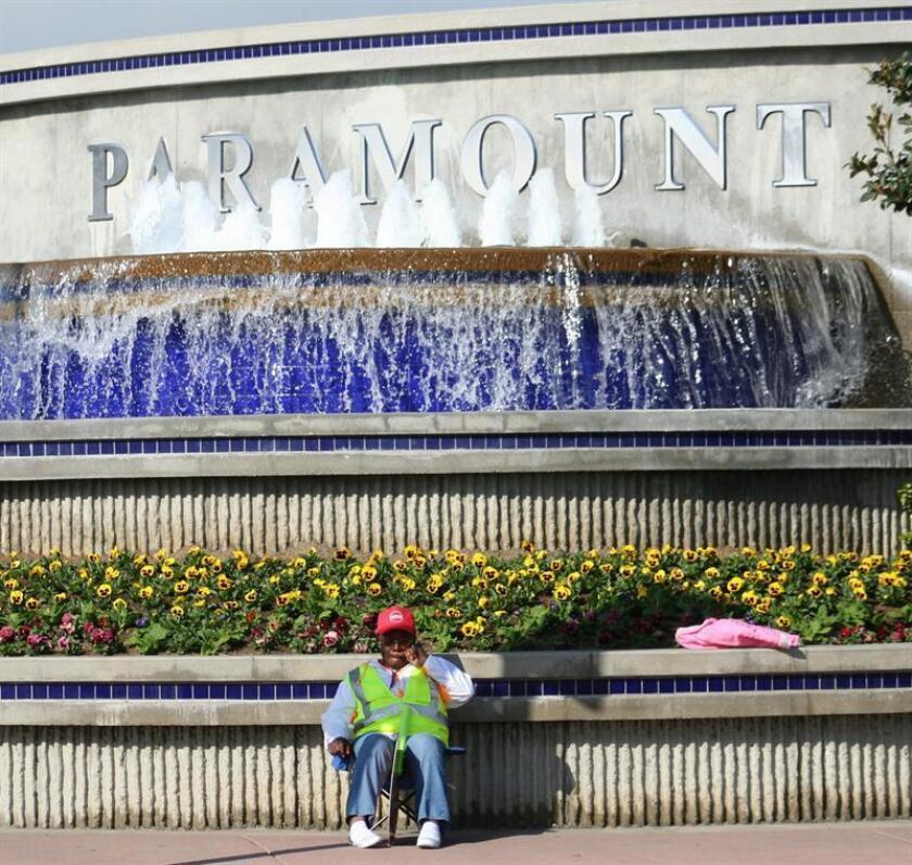 Vista de la fachada de los estudios Paramount Pictures. EFE/Archivo