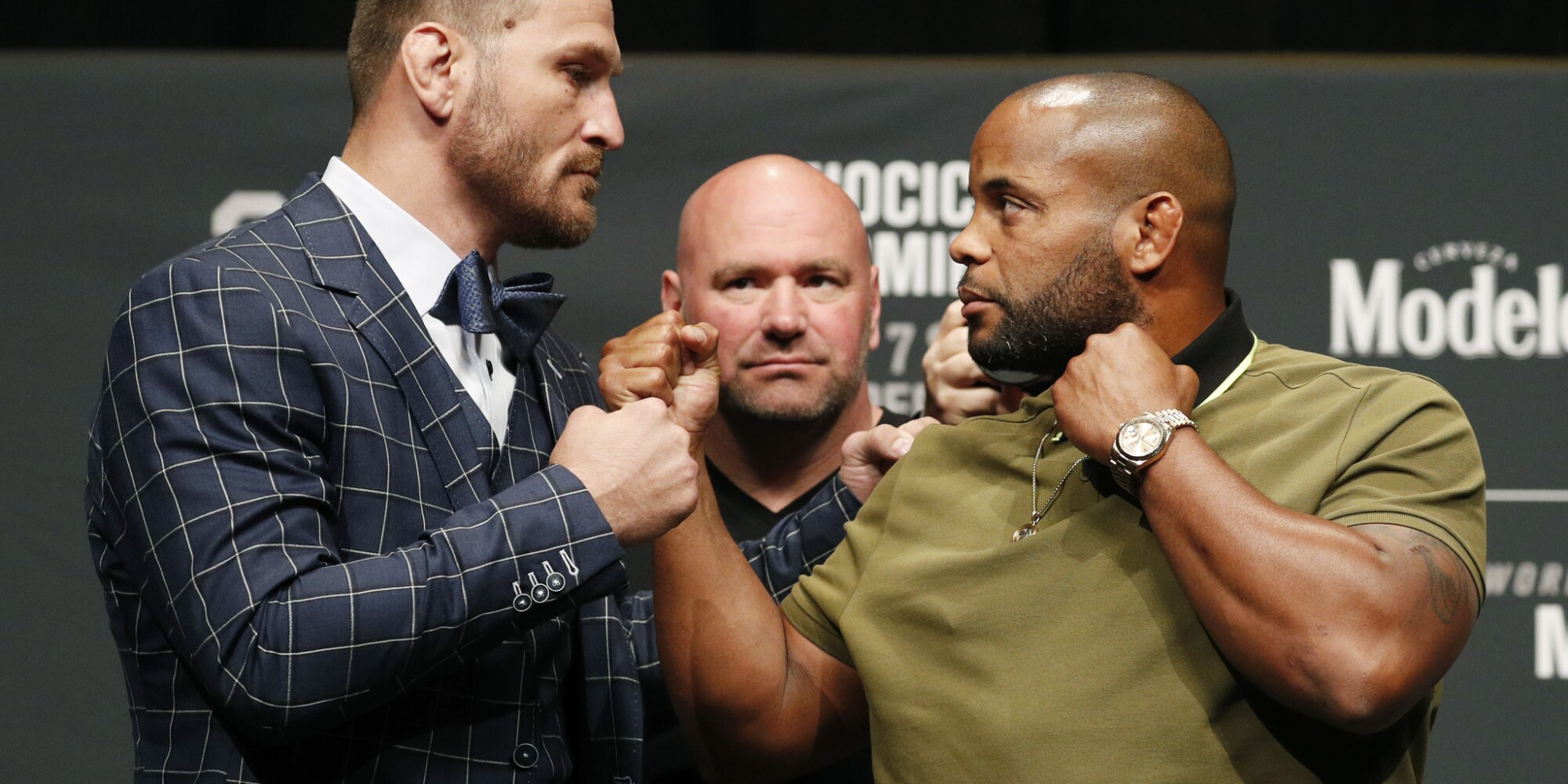 UFC 226 live coverage: Round-by-round updates from each fight on the Miocic-Cormier card