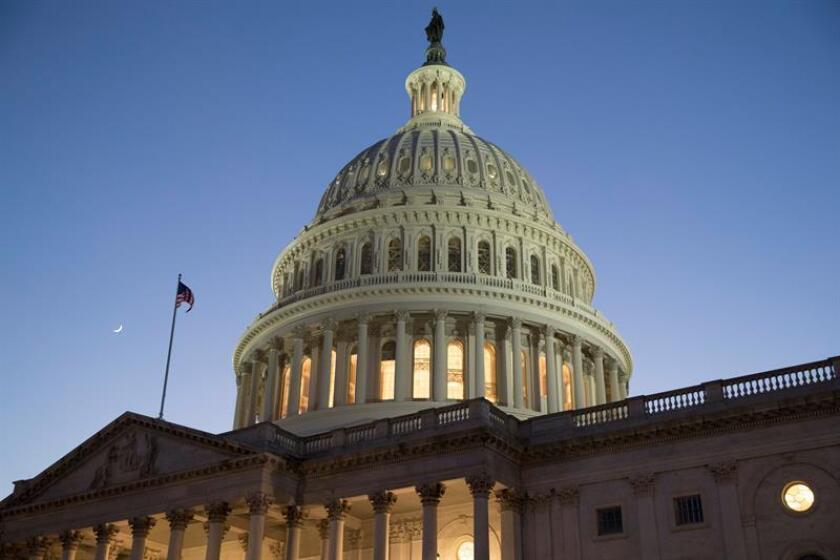 Republicanos y demócratas reiniciaron de cero esta semana las negociaciones sobre el presupuesto después de que el fin de semana pasado sus diferencias, especialmente en materia migratoria, provocaran un cierre parcial administrativo durante casi tres días. EFE/ARCHIVO