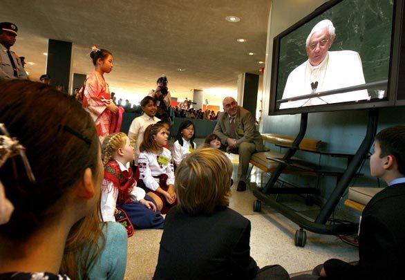 Pope visits U.N.