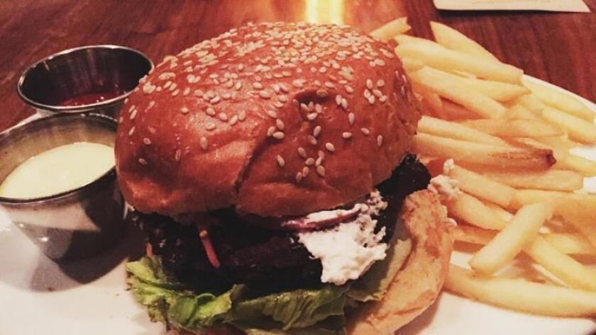Starlite's Veggie Burger (/ Liz Bowen)