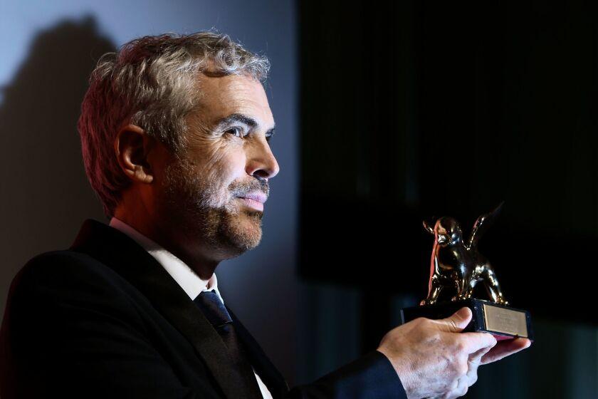 """Director Alfonso Cuaron ganador de El Golden Lion a la Mejor Película por """"Roma"""" en el 75th Venice Film Festival of Venezia."""