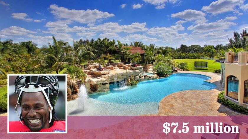 Former New England Patriots cornerback Asante T. Samuel has sold his swimming pool estate in South Florida.