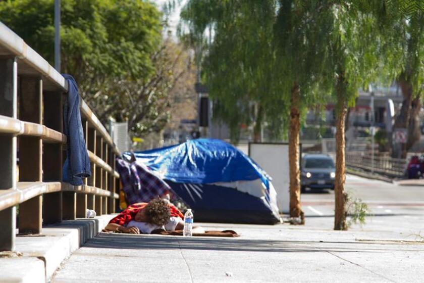 """Varias ciudades de Colorado se han sumado a Denver en una campaña para desmantelar y limpiar """"campamentos"""" de personas desamparadas en terrenos públicos, indicaron hoy dirigentes comunitarios locales. EFE/Archivo"""