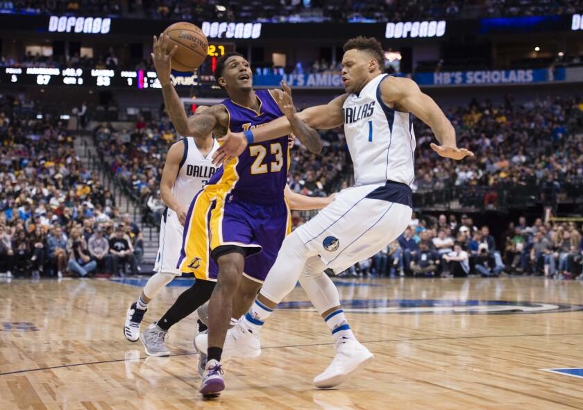 Vergonzosa derrota de los Lakers a manos de los Mavericks.