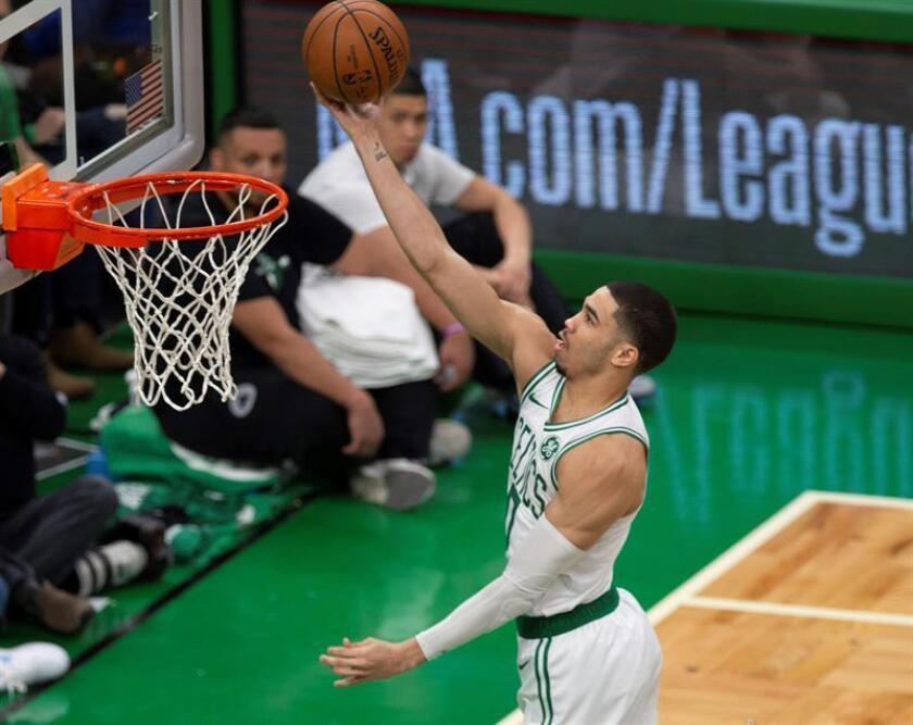 El alero Jayson Tatum de Boston Celtics en acción durante un partido. EFE/Archivo
