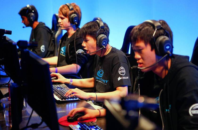 Online game League of Legends star gets U.S. visa as pro athlete