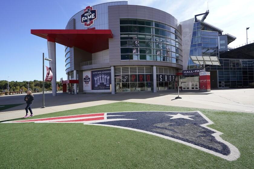 La foto del 11 de octubre de 2020 muestra la tienda de los Patriots de Nueva Inglaterra e