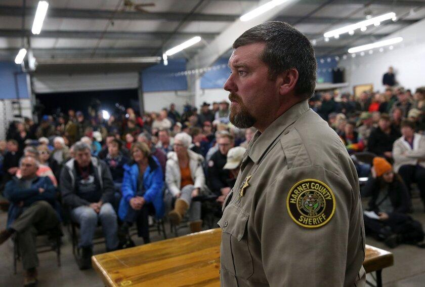 Armed standoff in Oregon