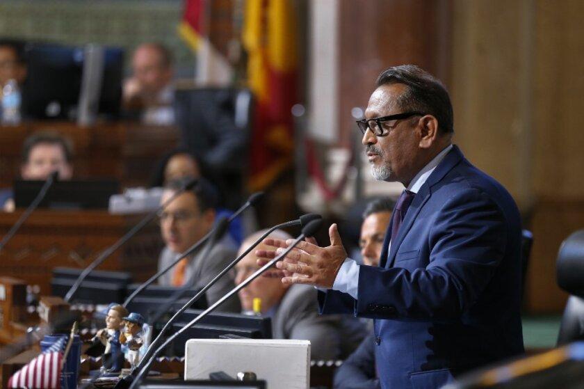 Concejal Gil Cedillo.