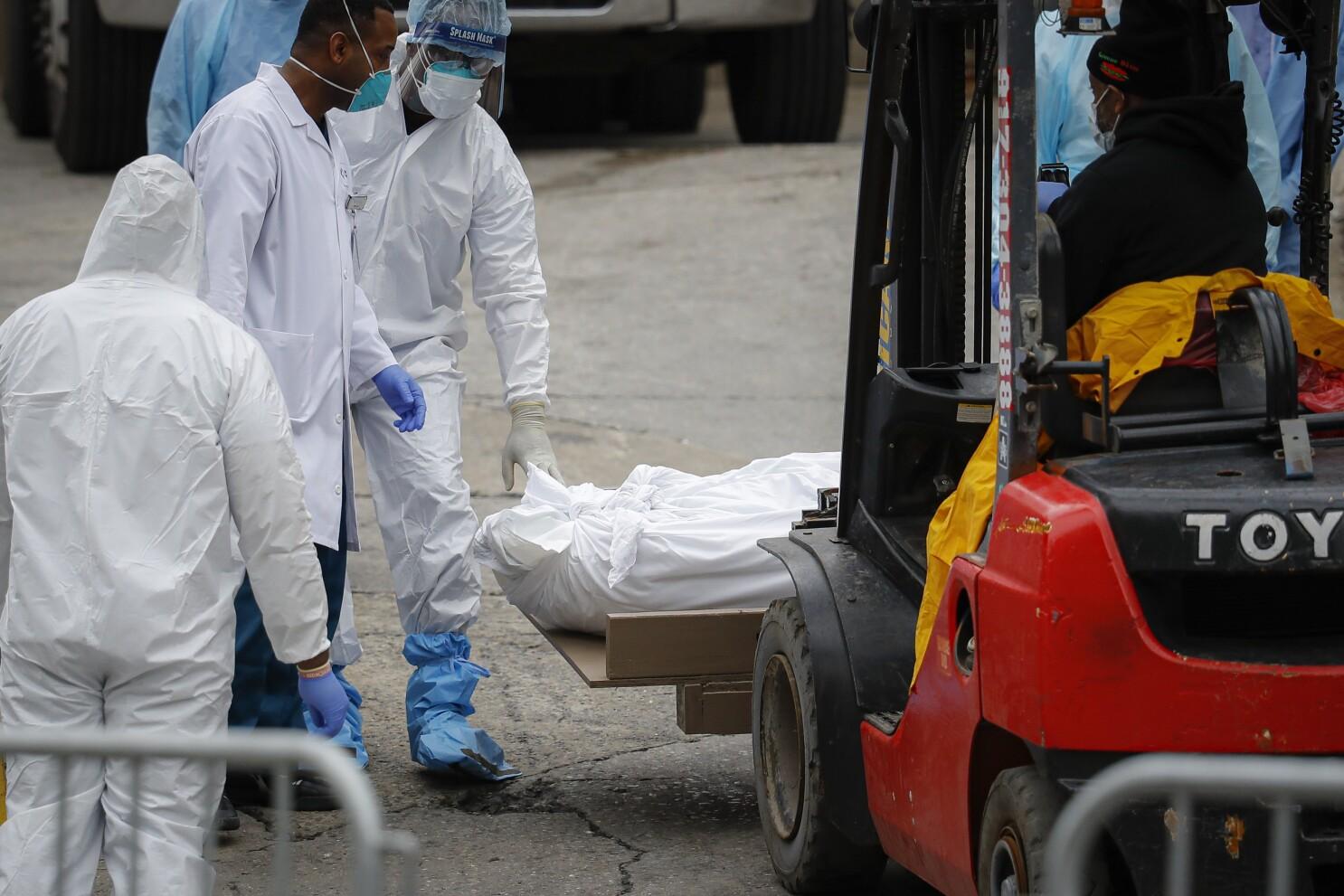Muertos por coronavirus rebasan a hospitales en NY - San Diego  Union-Tribune en Español