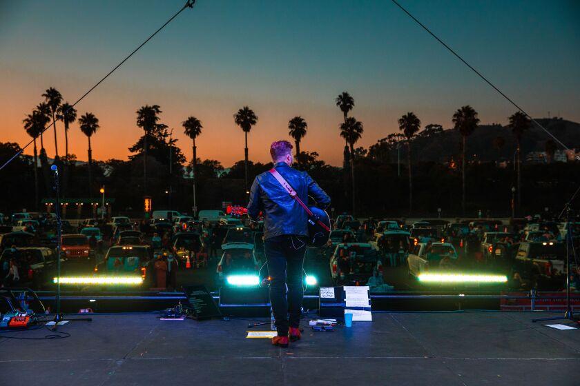 Randy Houser realiza un show de la serie Concerts in Your Car el 11 de julio en Ventura