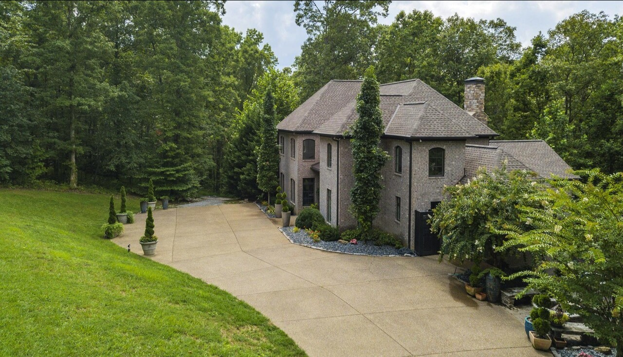 Jake Owen's Tennessee estate