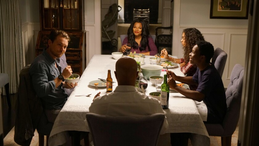 "Martin Riggs (Clayne Crawford, left) dines in with partner Roger Murtaugh (Damon Wayans) and family (left to right, Keesha Sharp, Chandler Kinney and Dante Brown) in Fox's new ""Lethal Weapon."""