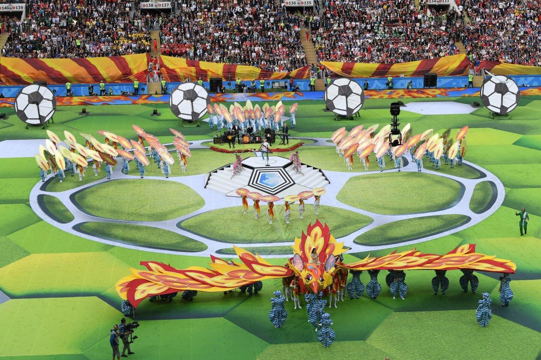 El estadio Luzhnikí, un inmueble con capacidad para 81,000 espectadores, vistió sus mejores galas para abrir el torneo.