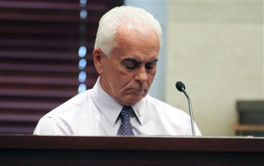George Anthony testifies during the murder trial of his daughter Casey Anthony at the Orange County Courthouse Thursday, June 30, 2011 in Orlando, Fla. Casey Anthony, 25, has plead not guilty in the death of her daughter, Caylee, and could face the death penalty if convicted of that charge. (AP Pho
