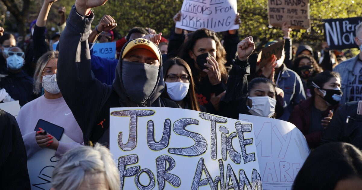 Chicago's Little Village divided over police shooting of 13-year-old – Los Angeles Times