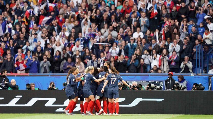 TOPSHOT-FBL-WC-2019-WOMEN-MATCH1-FRA-KOR