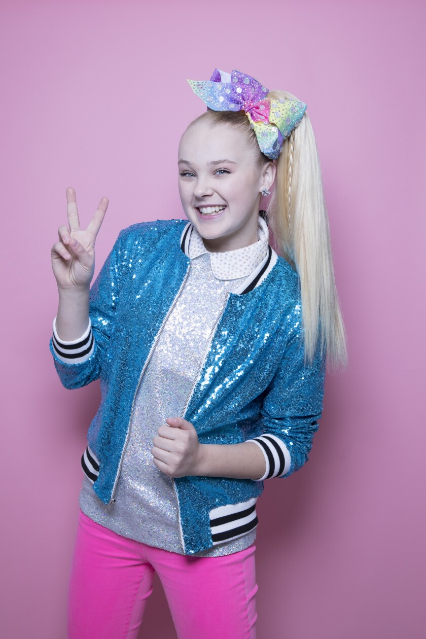 Jojo Siwa Comes Out As Gay Her T Shirt Suggests She Did Los Angeles Times