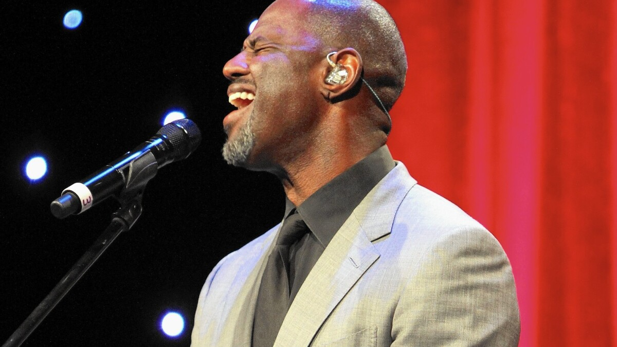 Review: Babyface, Brian McKnight bring the romance back to old