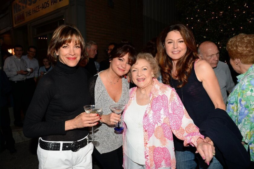 'Hot in Cleveland' live telecast is a smashing success
