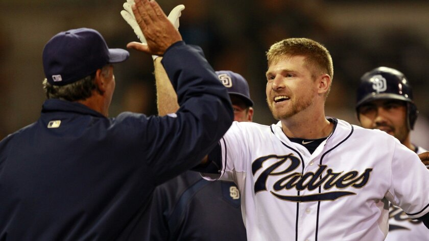 Padres third baseman Chase Headley has won the NL Player of the Month award for the second straight month.