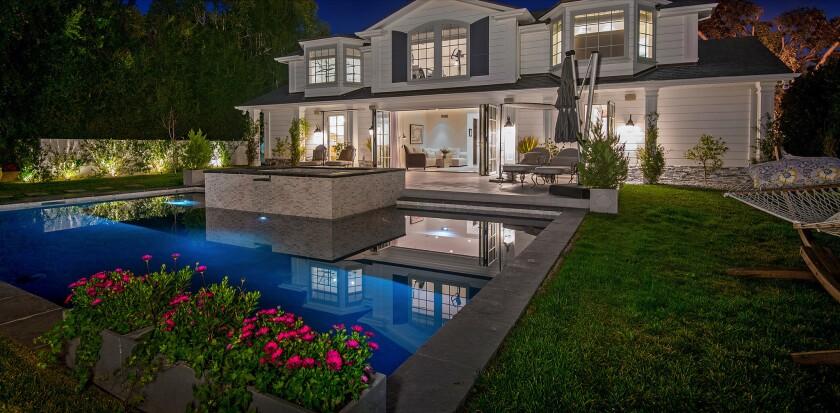 Leeza Gibbons' Beverly Hills mansion | Hot Property
