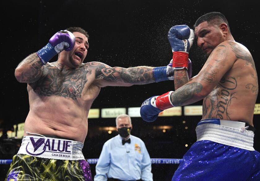 Andy Ruiz golpea a Chris Arreola en una decisión unánime de 12 asaltos,