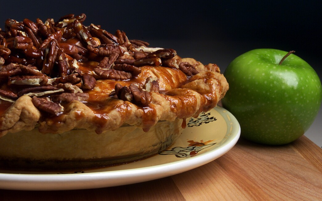 Babalu Caramel Pecan Apple Pie
