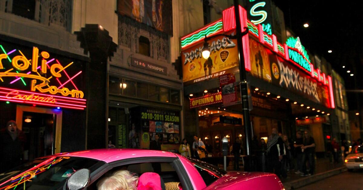 Meinung: Angelyne ' s status als ein L. A.-Ikone verdient einen Neustart