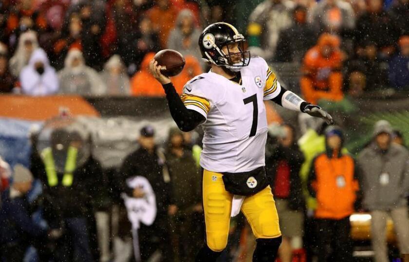 Ben Roethlisberger, de los Pittsburgh Steelers, durante un partido de la NFL. EFE/Archivo