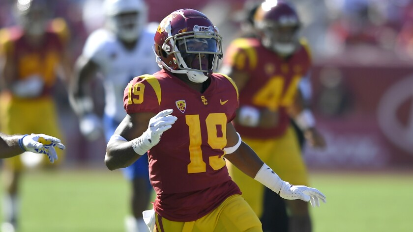 USC tight end Malcolm Epps runs a pattern against San Jose State.