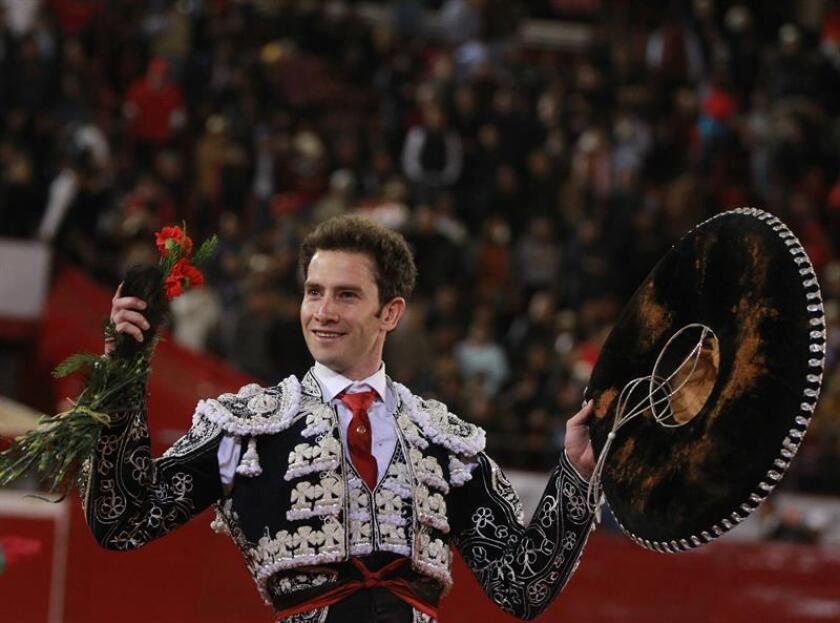 En la imagen, el torero mexicano Arturo Saldivar. EFE/Archivo