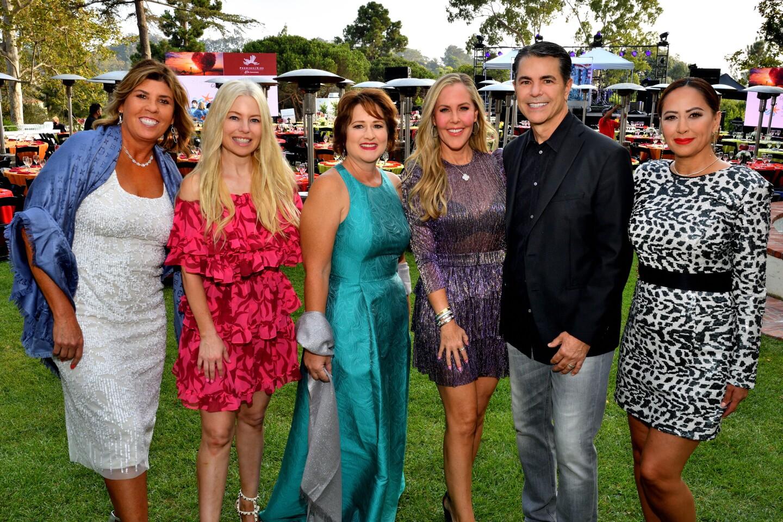 Lisa Corbosiero, Jolene Perry, Tonya Torosian, Raegan and Kevin Prior and Vivianne Villanueva Dhupa