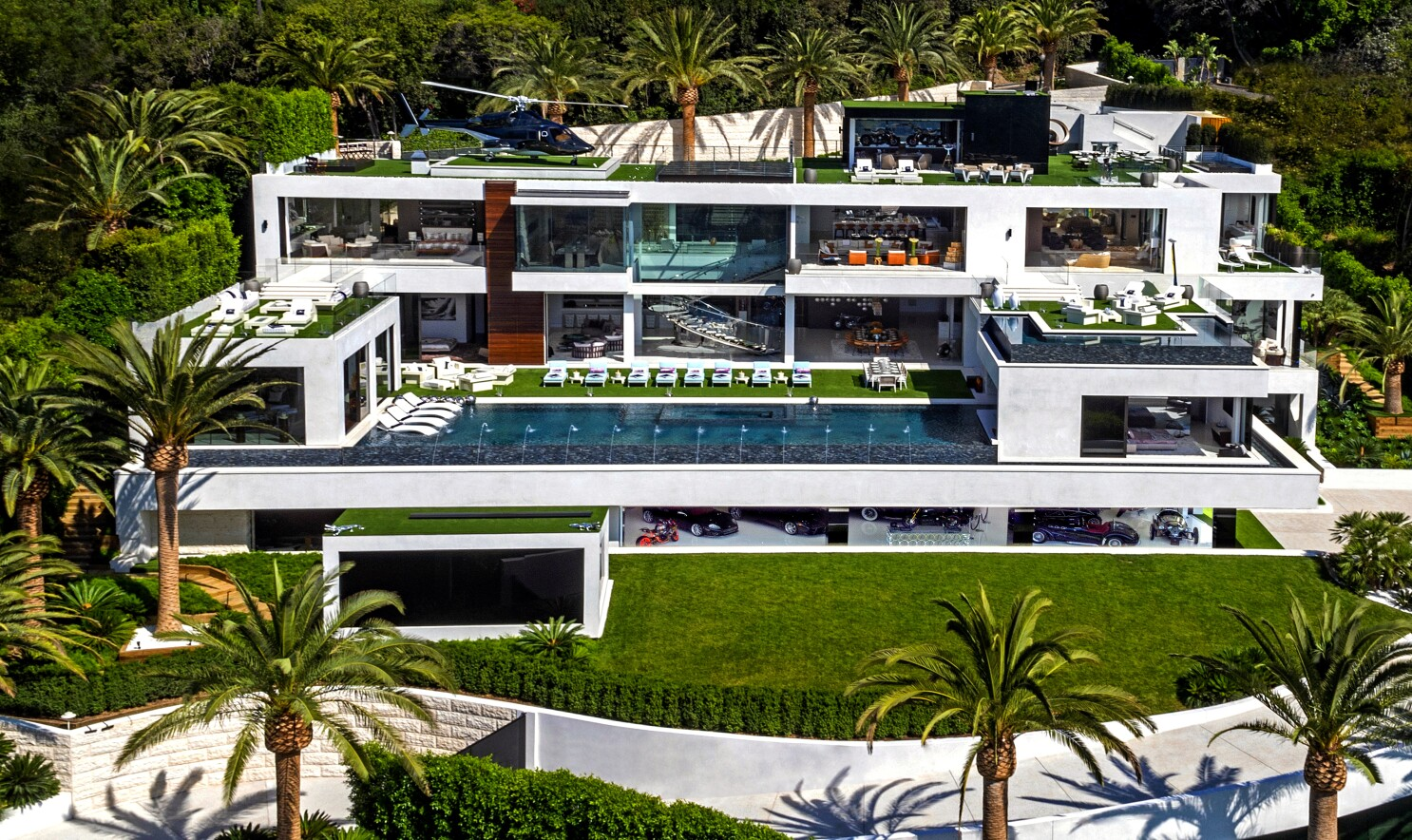 This Bel Air Mansion Has 21 Bathrooms Five Bars And A 58 Million Mortgage Los Angeles Times