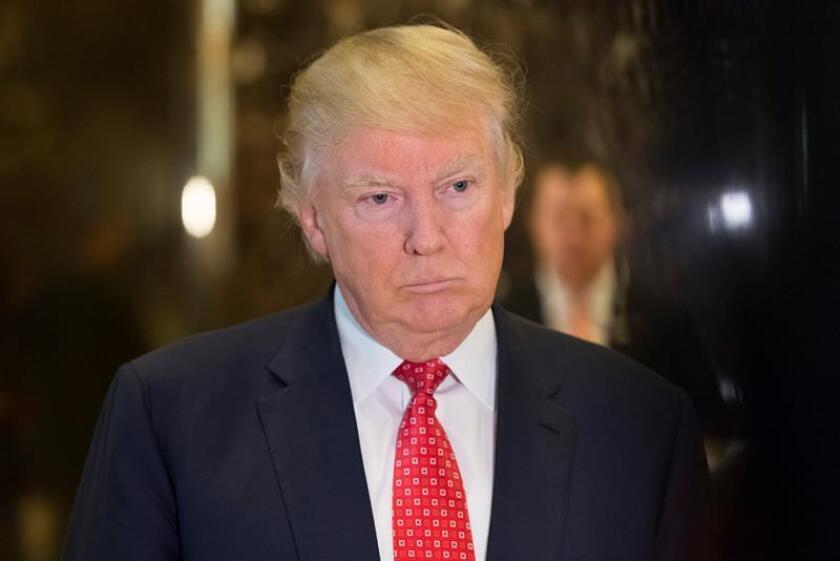 El presidente electo, Donald Trump, ha prescindido para su investidura del locutor Charles Brotman, quien ha puesto voz a la toma de posesión presidencial desde 1957 y hoy se declaró desolado por la decisión del magnate. EFE