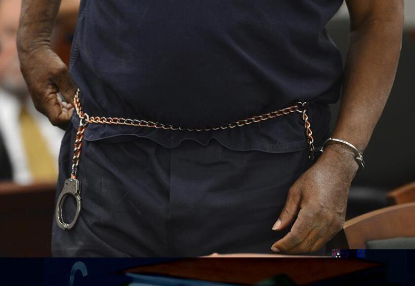 Un recluso hispano alojado en una prisión de máxima seguridad en Colorado evitó la pena de muerte y deberá cumplir desde hoy cadena perpetua por haber asesinado hace más de una década a un exjefe de la mafia mexicana que opera dentro de las cárceles estadounidenses. EFE/ARCHIVO